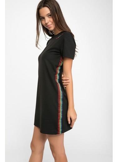 DeFacto Yanları Şerit Detaylı Rahat Kesim Elbise Siyah
